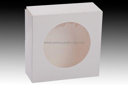 Бяла картонена кутия с прозорец 20*20*7,5 см